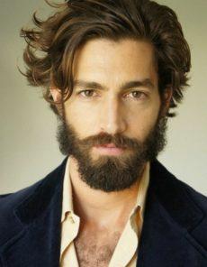 Coupe de cheveux homme mi long