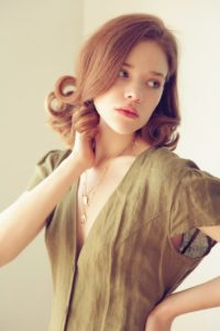 cheveux-court-coiffure-noël-vintage