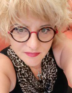 Découvrez Corinne Ventura, gérante et fondatrice d'un salon de coiffure végétal à Barberaz