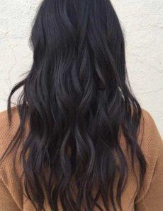 Cheveux bruns: une couleur toujours au rendez-vous chez votre coiffeur code couleur végétal Chambéry.