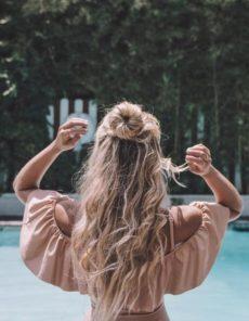 Prendre soin de ses cheveux pendant l'été chez votre coiffeur bio Chambéry-Barberaz
